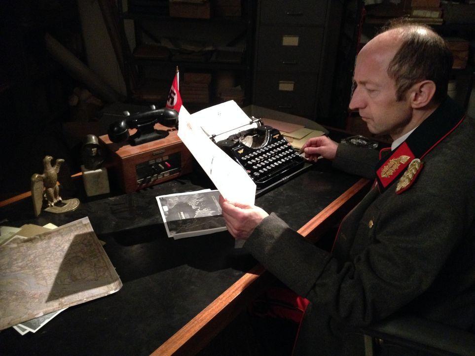 Hat dieser Mensch die ganze Welt belogen? Reinhart Gehlen (Foto), ehemaliger Chef des Geheimdienstes der Deutschen Armee, soll  während des kalten K... - Bildquelle: Josh Key