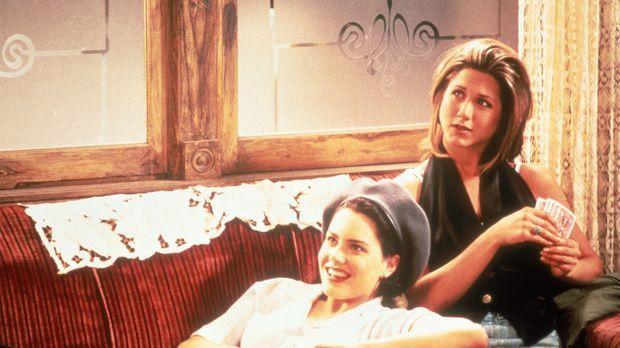 Frankie (Ione Skye, l.) und Allison (Jennifer Aniston) bleiben nur 24 Stunden...
