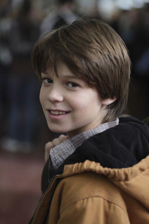 Rückblick: Sam (Colin Ford) wurde in seiner Schulzeit tyrannisiert, während Dean sehr beliebt war ... - Bildquelle: Warner Bros. Television