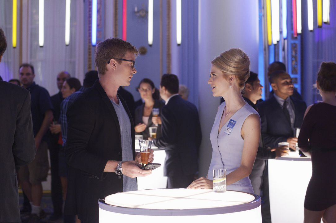 Eine Undercover-Mission wartet auf Caleb (Graham Rogers, l.) und Shelby (Johanna Braddy, r.), dabei werden sie allerdings auf eine harte Probe geste... - Bildquelle: 2015 ABC Studios