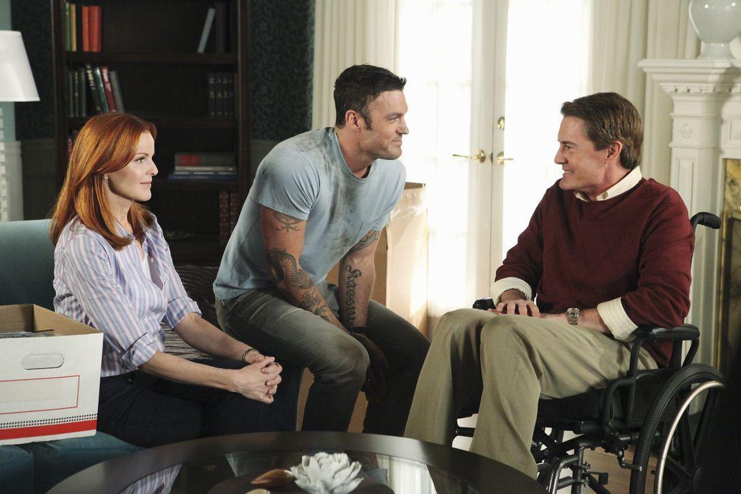 Während Susan im Krankenhaus eine erschütternde Diagnose erhält, kommt Orson (Kyle MacLachlan, r.) zurück in die Wisteria Lane, was zu Problemen zwi... - Bildquelle: ABC Studios