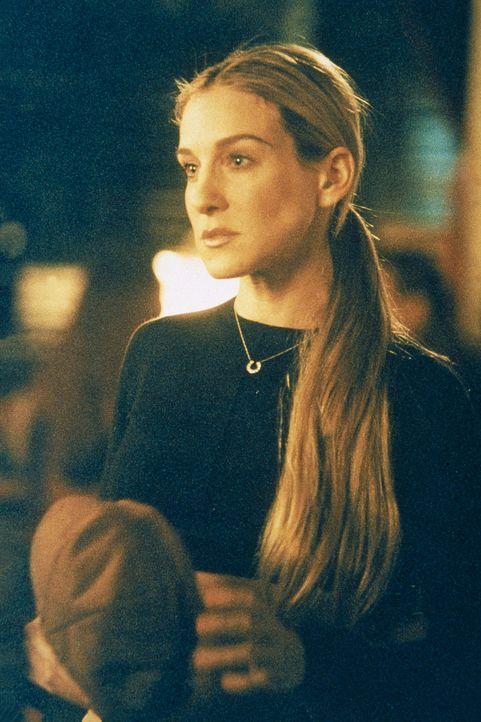 Die Beziehung wird auf eine erste Probe gestellt, als Big auf Carries (Sarah Jessica Parker) Anrufbeantworter spricht, während Aidan bei ihr ist. C... - Bildquelle: Paramount Pictures