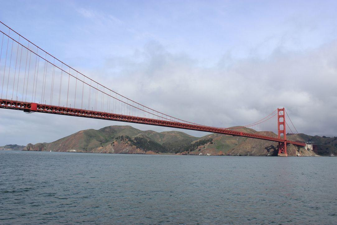 Viele Touristen sind erstaunt darüber, dass die Golden Gate Bridge gar nicht golden ist, doch nur wenige wissen, warum die Brücke tatsächlich diesen... - Bildquelle: Indigo Films/ DCL