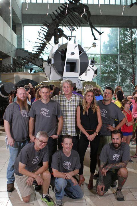 """Die """"Museum Men"""" sind ein Team hochqualifizierter Handwerker, die detailgetreu historische Ausstellungen für Museen designen und aufbauen - wie z.B.... - Bildquelle: 2014 A&E TELEVISION NETWORKS, LLC. ALL RIGHTS RESERVED."""