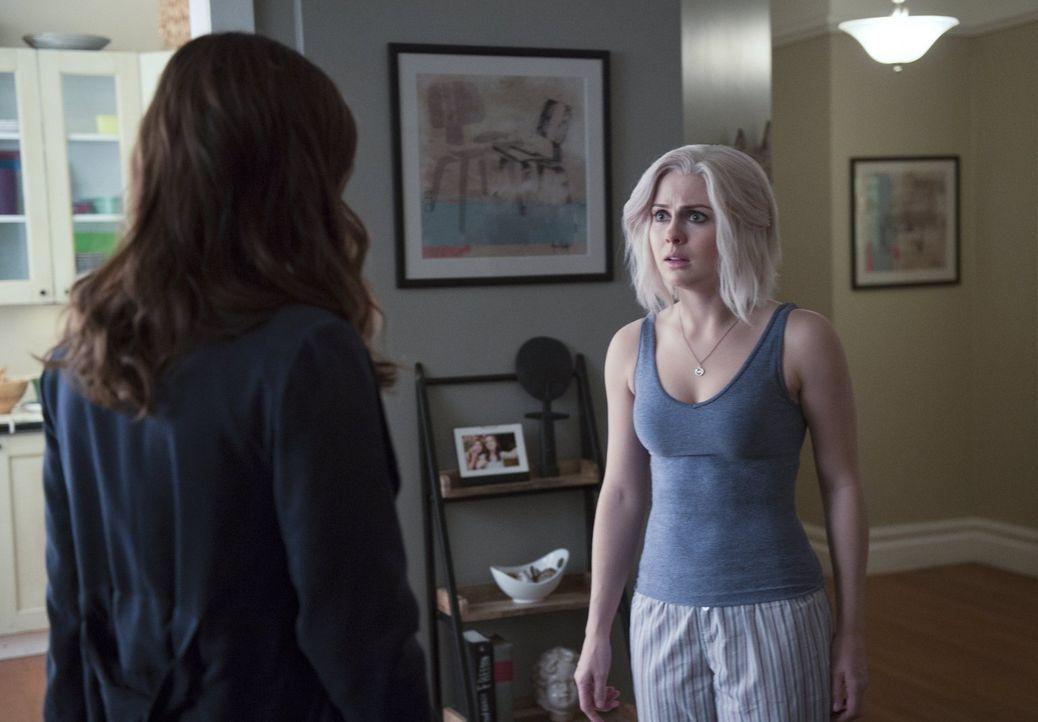 Während Liv (Rose McIver) sich mit unerwarteten Fantasien herumärgern muss, kommt das FBI Blaine und Major gefährlich nahe ... - Bildquelle: 2014 Warner Brothers