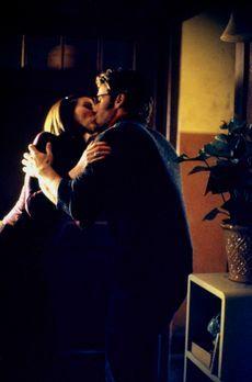 That's Life - Haben sich ineinander verliebt: Lydia (Heather Paige Kent, r.)...