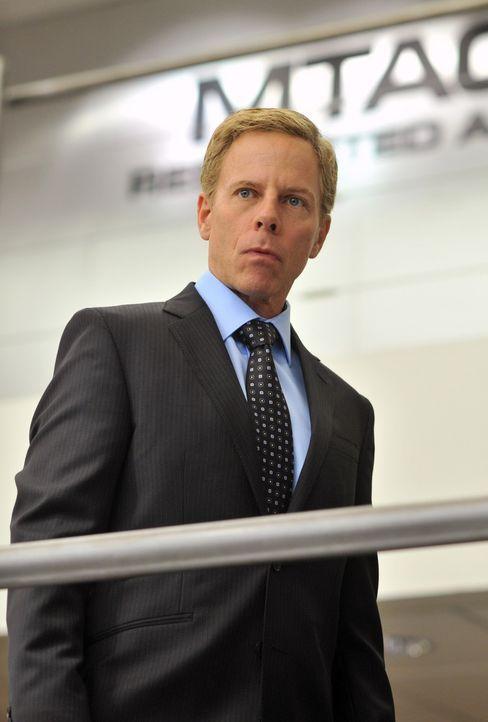 Übernimmt vorübergehend die Leitung: NCIS Deputy Director Jerome Craig (Greg Germann) ... - Bildquelle: CBS Television