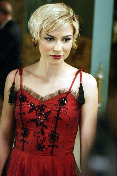 Möchte endlich wissen für wen sich Seth entschieden hat: Anna (Samaire Armstrong) ... - Bildquelle: Warner Bros. Television