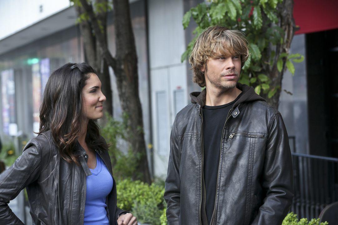 Bei den Ermittlungen in einem neuen Fall wird Kensi (Daniela Ruah, l.) mit neuen Gefühlen konfrontiert, während sie Deeks (Eric Christian Olsen, r.)... - Bildquelle: CBS Studios Inc. All Rights Reserved.