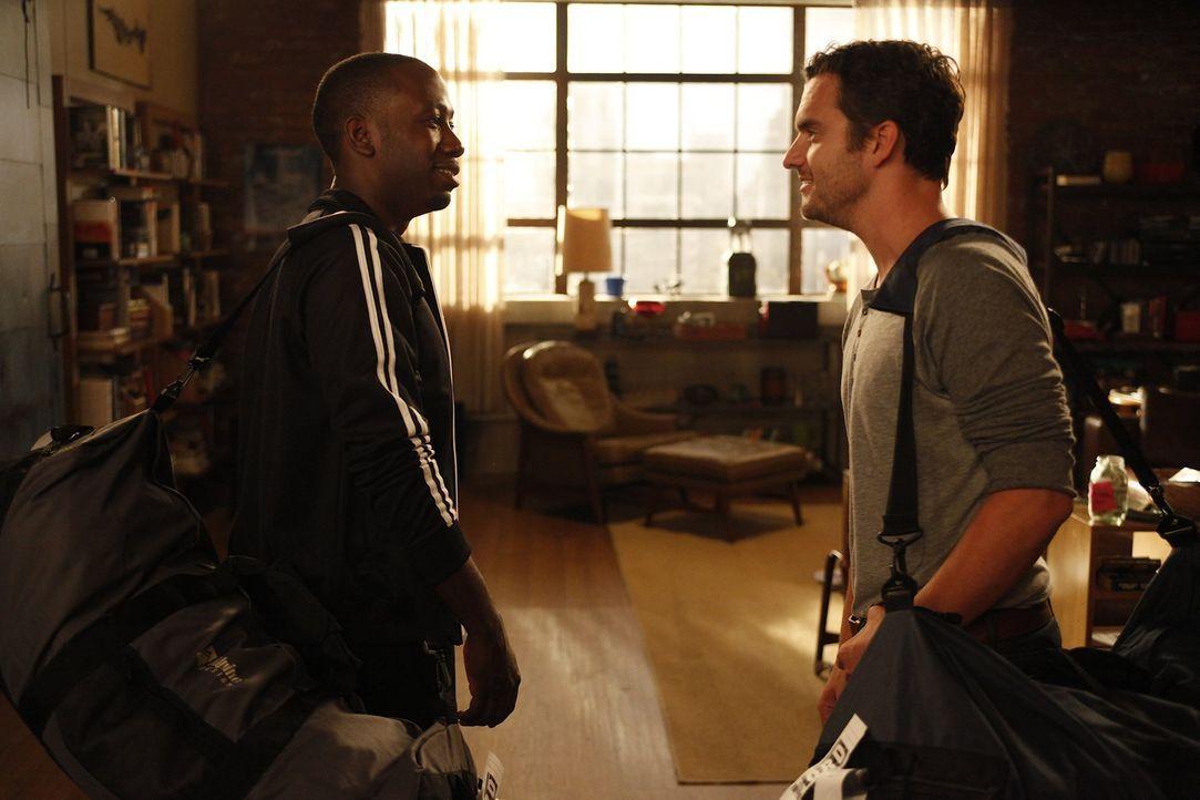 Helfen Jess, damit sie über ihren Ex-Freund Spencer hinwegkommt: Nick (Jake M. Johnson, r.) und Winston (Lamorne Morris, l.) ... - Bildquelle: 20th Century Fox