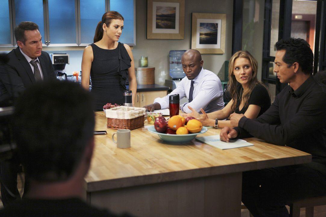 """Als Amelia nach ihrem zwölftägigen """"Drogenurlaub"""" in der Praxis erscheint, versucht sie alle davon zu überzeugen, dass sie nur einen kleinen Rüc... - Bildquelle: ABC Studios"""