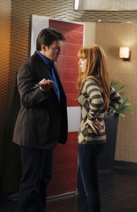 Offensichtlich hat Castle (Nathan Fillion, l.) ein Problem damit, dass seine Tochter Alexis (Molly C. Quinn, r.) einen festen Freund hat. Doch muss... - Bildquelle: 2010 American Broadcasting Companies, Inc. All rights reserved.