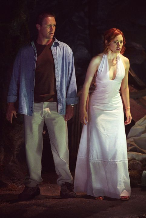 Sind auf der Suche nach Mylie: Leo (Brain Krause, l.) und Paige (Rose McGowan, r.) ... - Bildquelle: Paramount International Television