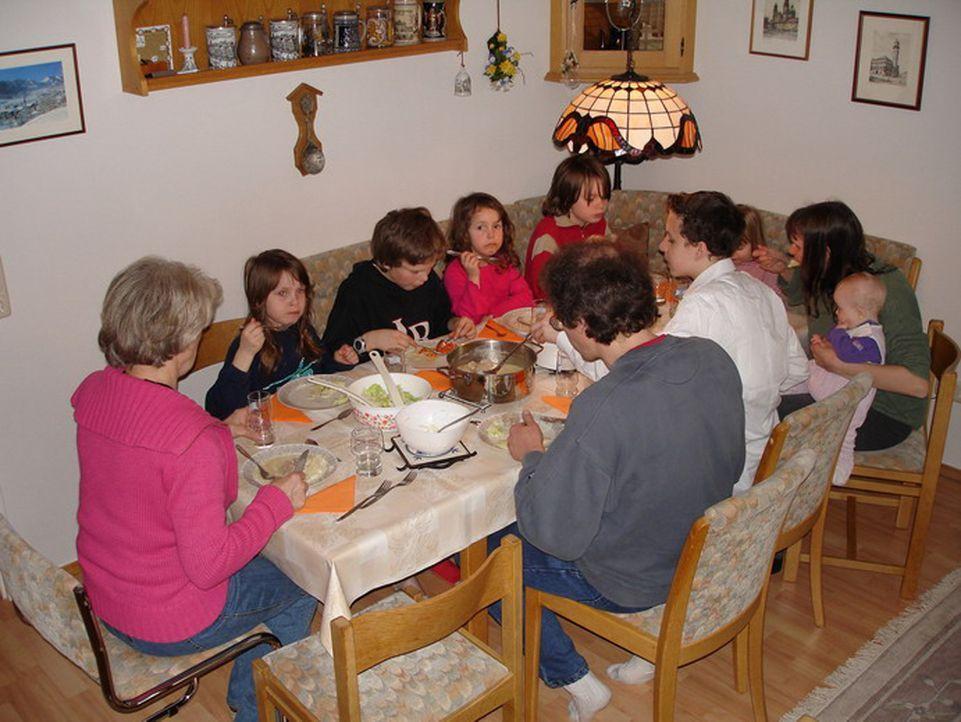 Diese Reportage zeigt den Alltag der Familie Weilandt - einer Großfamilie wie sie im Buche steht. - Bildquelle: ProSiebenSat.1 TV