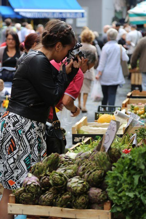 Auch die Märkte in Neapel begeistern Rachel ... - Bildquelle: Richard Hall BBC 2014