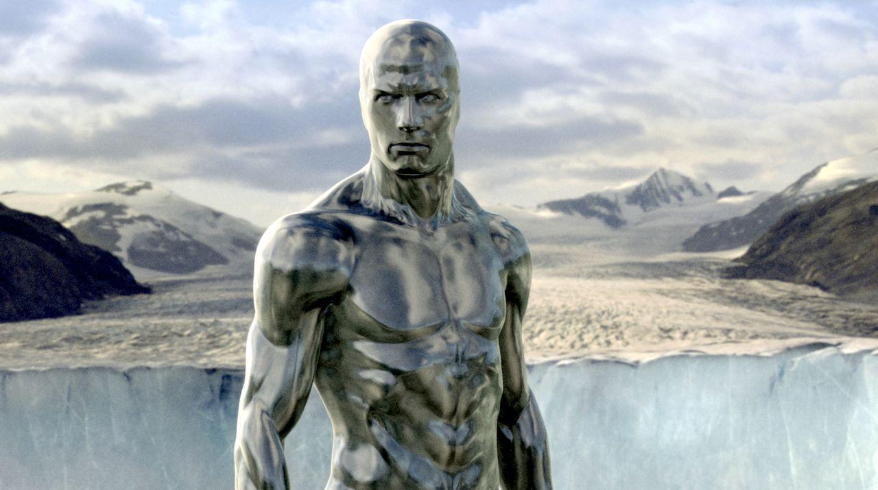 """Der """"Silver Surfer"""" (Doug Jones) ist Bewohner eines fremden Planeten. Noch weiß keiner, dass er für seinen Herrscher Galactus neue Planeten auskunds... - Bildquelle: Twentieth Century Fox"""
