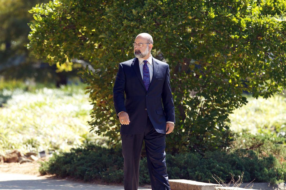 Feind oder Verbündeter? Sein Wohlgefallen gilt dem, der am meisten zu bieten hat: Mr. Sahrani (Ramsey Faragallah) ... - Bildquelle: 20th Century Fox International Television
