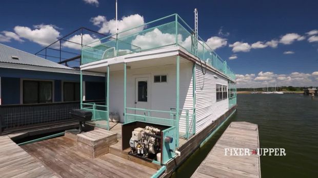 fixer upper umbauen einrichten einziehen video das miami vice hausboot sixx. Black Bedroom Furniture Sets. Home Design Ideas
