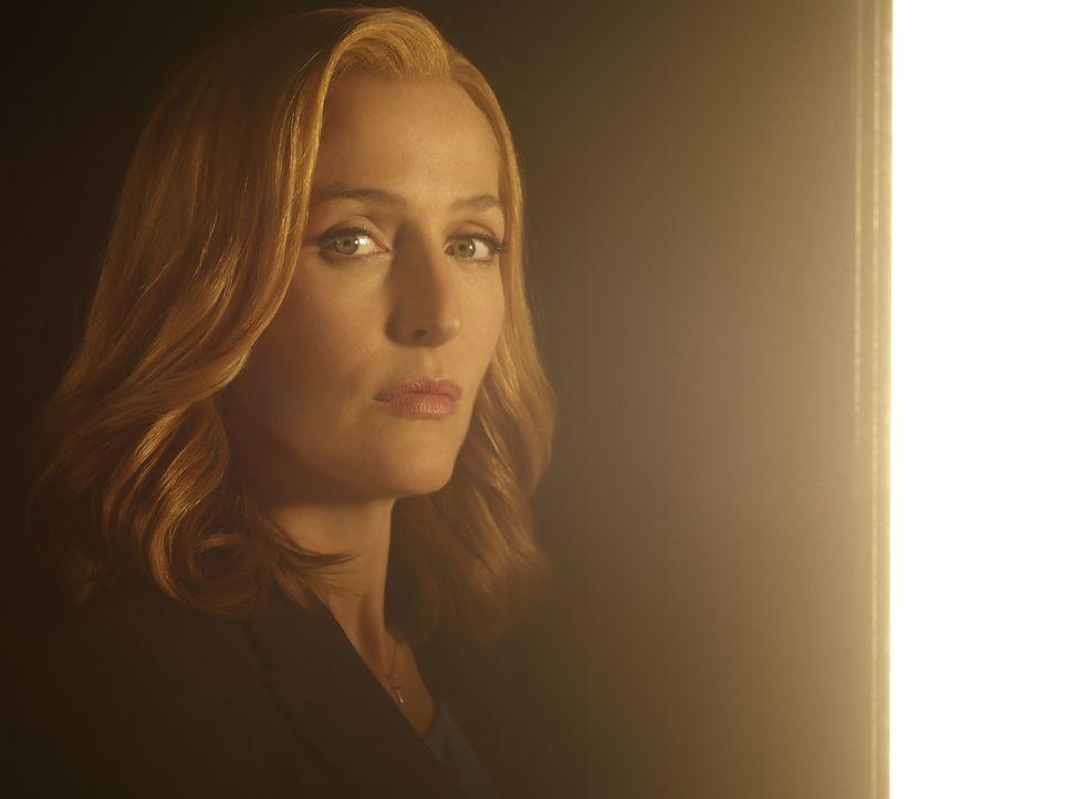 (1. Staffel) - Scully (Gillian Anderson) macht sich mit ihrem Partner erneut auf die Suche nach der Wahrheit, als ihr bewusst wird, dass alles, was... - Bildquelle: 2016 Fox and its related entities.  All rights reserved.