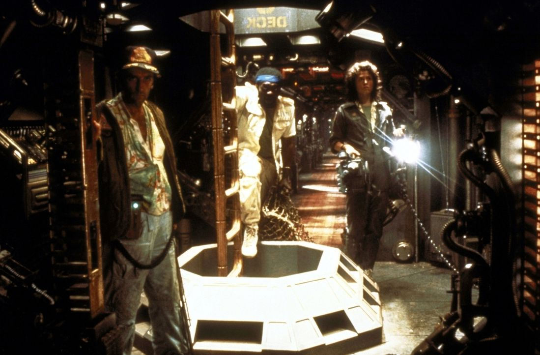 Jagd auf ein unheimliches Alien: Brett (Harry Dean Stanton, l.), Parker (Yaphet Kotto, M.) und Ripley (Sigourney Weaver, r.)  ... - Bildquelle: 20th Century Fox of Germany