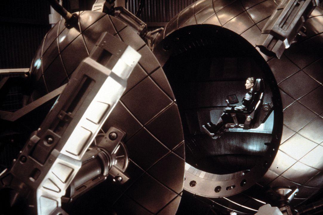 Fasziniert von Ellies (Jodie Foster) Erfolg unterstützt Palmer Joss sie mit Leibeskräften, so dass sie sich schließlich mit dem nach den Konstruk... - Bildquelle: Warner Bros. Pictures