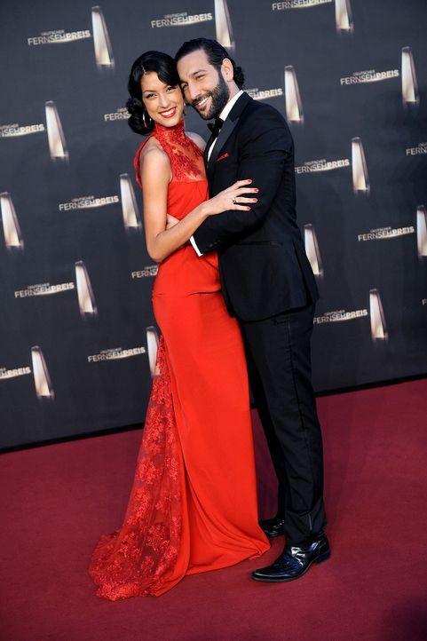 Deutscher-Fernsehpreis-Rebecca-Mir-Massimo-Sinato2-13-10-02-dpa - Bildquelle: dpa