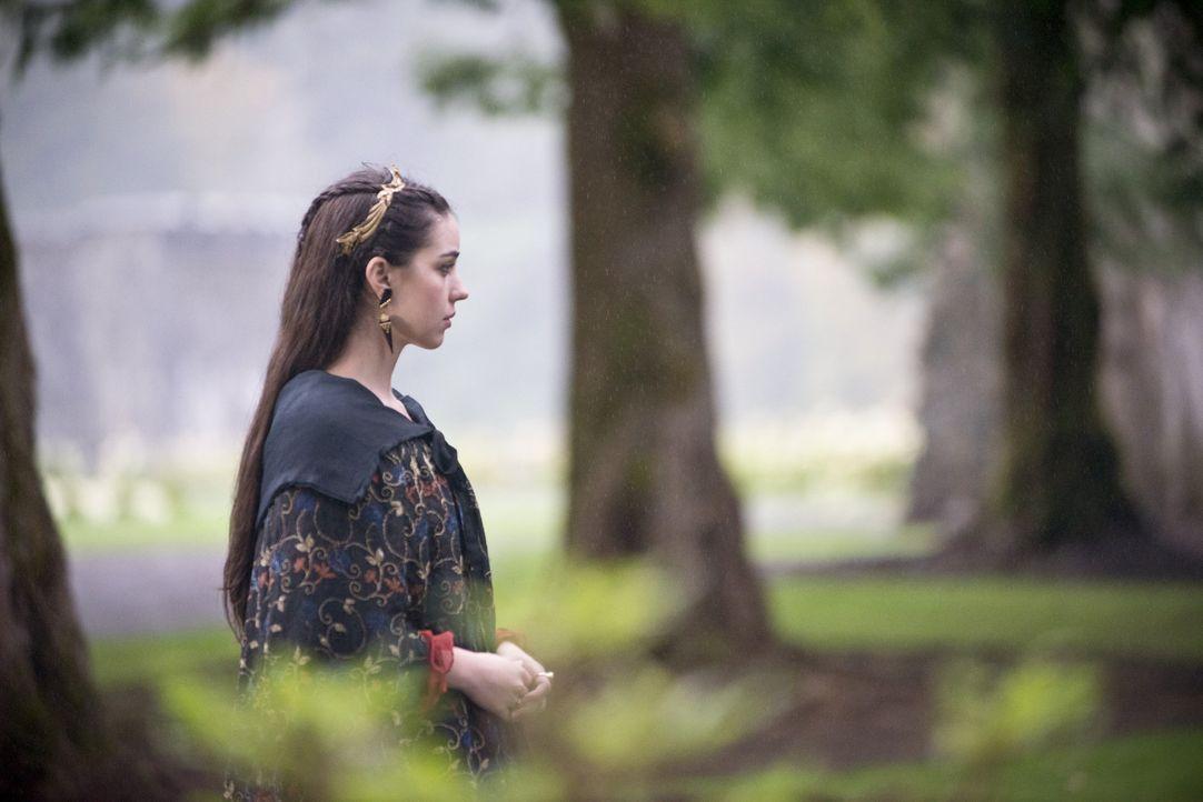 Mary (Adelaide Kane) hat eine Entscheidung aus Wut heraus getroffen, nun muss sie mit den Konsequenzen umgehen ... - Bildquelle: Bernard Walsh 2014 The CW Network, LLC. All rights reserved.