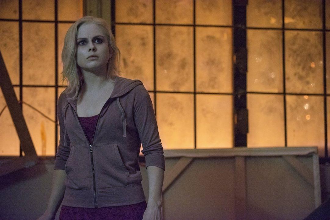 Die Begegnung mit ihrem Schöpfer ist für Liv (Rose McIver) nicht gerade erfreulich, denn Blaine hat einige Geheimnisse ... - Bildquelle: Warner Brothers