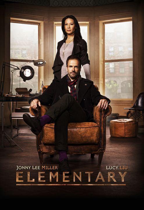 (1. Staffel) - Klären Kriminalfälle auf ihre höchst eigenwillige Weise: Sherlock Holmes (Jonny Lee Miller, vorne) und Joan Watson (Lucy Liu, hinten)... - Bildquelle: CBS Television