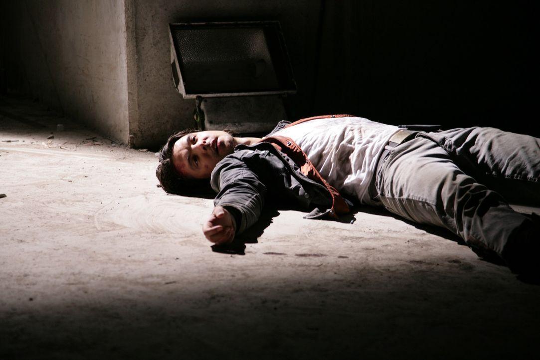 Connor (Andrew Lee Potts) ringt mit dem Leben. Werden seine Kollegen Abby, Matt und Becker rechtzeitig eintreffen um ihn zu retten? - Bildquelle: ITV Plc