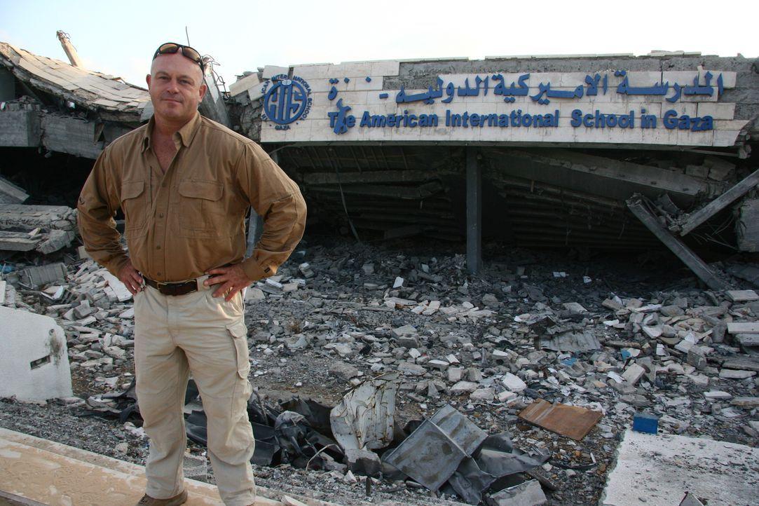 Enthüllungsjournalist Ross Kemp (Foto) lernt bei seiner Entdeckungsreise durch den Gazastreifen, wo 1,5 Millionen Menschen von der Terrororganisatio... - Bildquelle: British Sky Broadcasting 2010