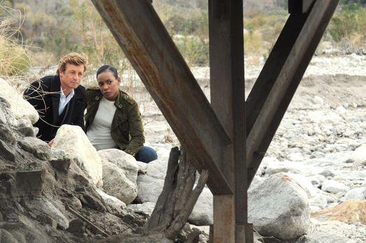 Ermitteln in einem neuen Fall: Patrick (Simon Baker, l.) und Madeleine (Aunja...