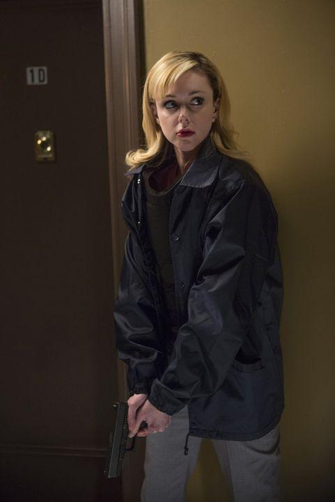 Nach und nach bringen Frankie (Meg Steedle), Laura und die anderen Kollegen Licht ins Dunkle eines neuen Mordfalles ... - Bildquelle: Warner Bros. Entertainment, Inc.