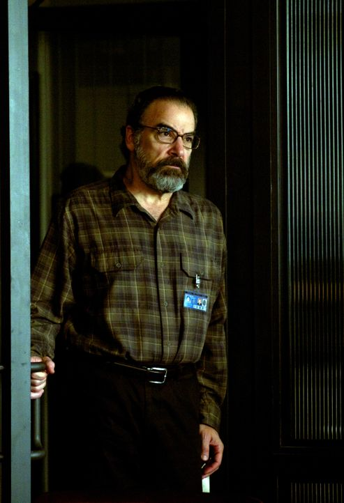 Seine Ratschläge haben Carrie schon oft aus scheinbar aussichtslosen Situationen geholfen: Saul (Mandy Patinkin) ... - Bildquelle: 20th Century Fox International Television