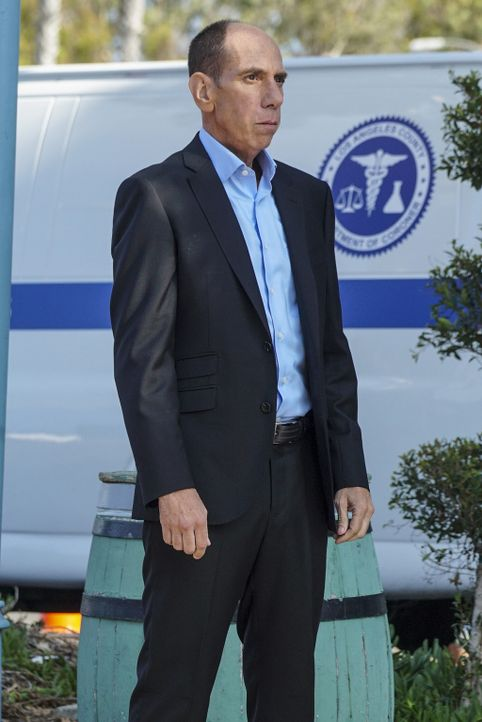 Under Secretary of Defense Corbin Duggan übernimmt die Führung der NCIS Los Angeles-Einheit, nachdem es dem Team nicht gelungen ist, einen Maulwurf... - Bildquelle: Monty Brinton 2016 CBS Broadcasting, Inc. All Rights Reserved.