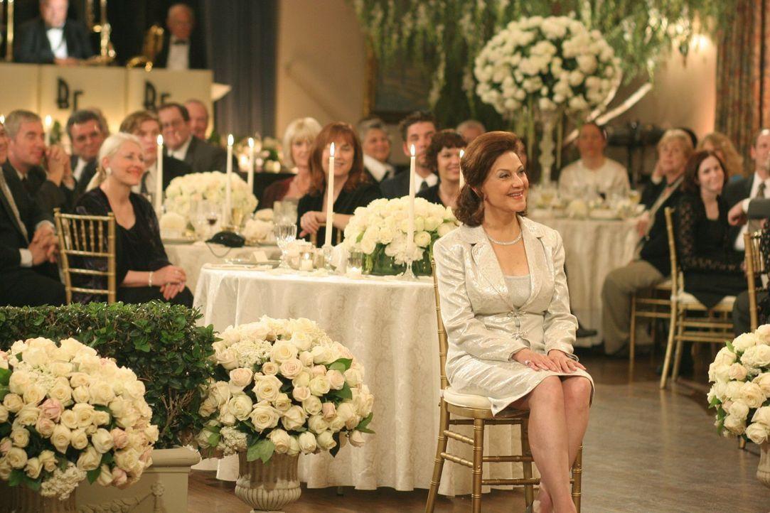 Für sie soll es der schönste Tag in ihrem Leben werden: Emily (Kelly Bishop) ... - Bildquelle: 2004 Warner Bros.