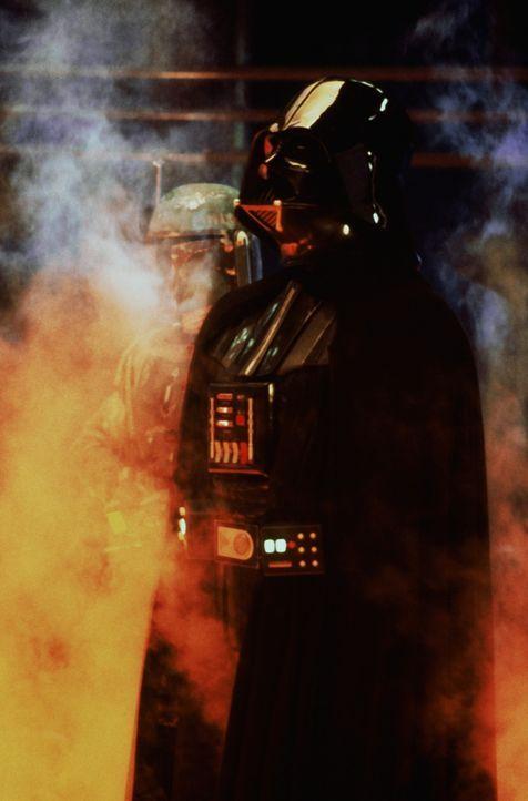 Dem galaktischen Obergauner Darth Vader (David Prowse) gelingt es, Han Solo und Leia gefangen zu nehmen ... - Bildquelle: Lucasfilm LTD. & TM. All Rights Reserved.