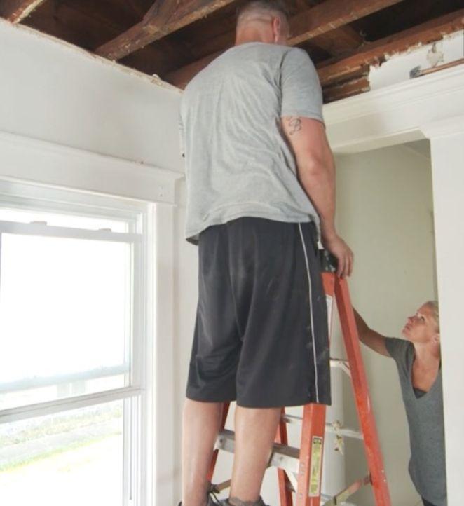 Die beiden Lehrer Ernie (l.) und Megan (r.) wollen in den Sommerferien ein Haus umbauen und ein wenig Geld machen. Doch ihre Vorstellungen, wie das... - Bildquelle: 2016, DIY Network/Scripps Networks, LLC. All Rights Reserved.