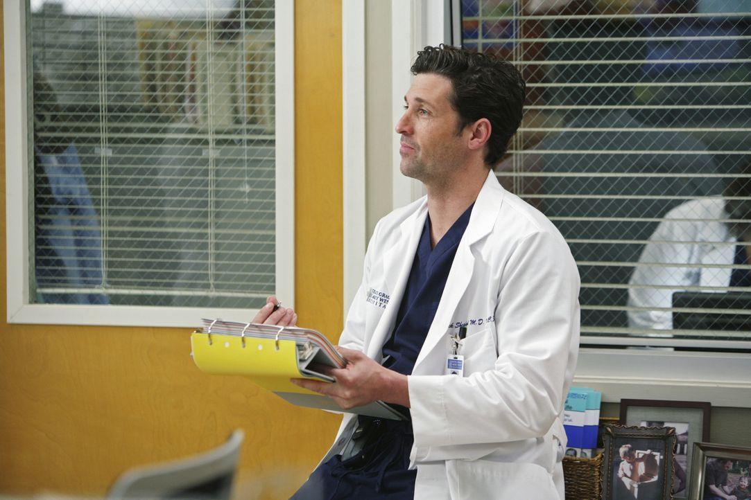 Ahnt, dass Meredith ihm in Bezug auf Webber etwas verschweigt und geht der Sache nach: Derek (Patrick Dempsey) ... - Bildquelle: Touchstone Television