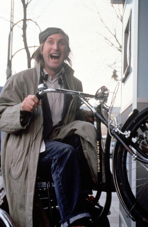 Spaßvogel Otto (Otto Waalkes) schlägt sich als Straßenmusiker und Fahrradkurier durchs Leben ...