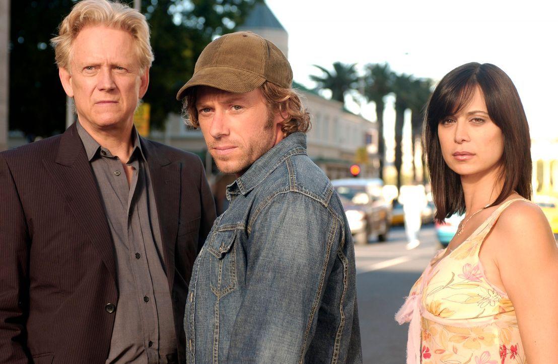 Müssen die Erde retten: (v.l.n.r.) Stan (Bruce Davison), Bruce (Michael Rodgers) und Emily (Catherine Bell) ... - Bildquelle: The Sci-Fi Channel