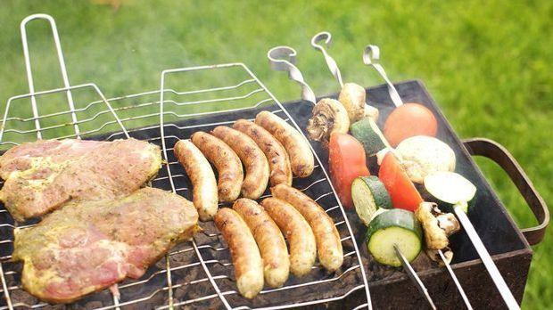 Fleisch und Gemüse auf dem Grill