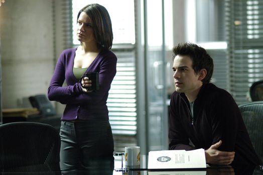 Medical Investigation - Eva (Anna Belknap, l.) und Miles (Christopher Gorham,...