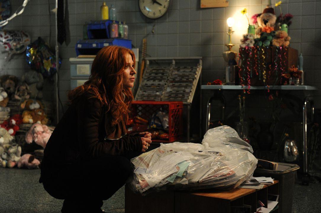 Auf der Suche nach dem Mörder eines bekannten Geisterjägers: Carrie (Poppy Montgomery) ... - Bildquelle: 2011 CBS Broadcasting Inc. All Rights Reserved.