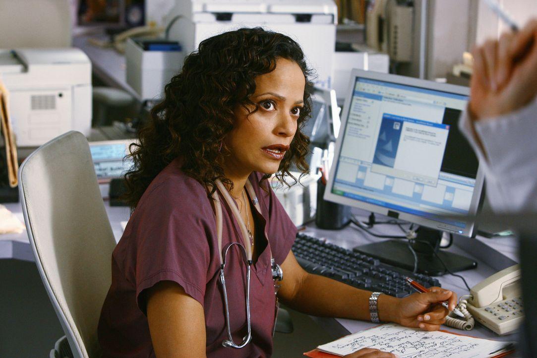 Carla (Judy Reyes) hilft Elliott mit ihrem Ego ... - Bildquelle: Touchstone Television