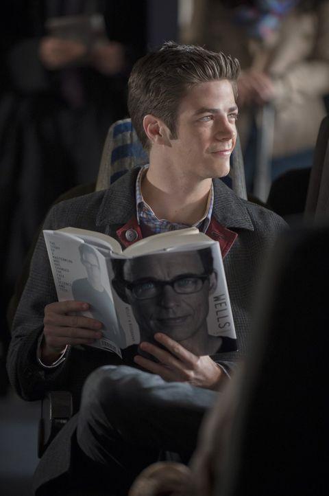 Nicht nur seine Aufgaben als Flash, sondern auch seine neue Bekanntschaft hält Barry (Grant Gustin) auf Trab ... - Bildquelle: Warner Brothers.