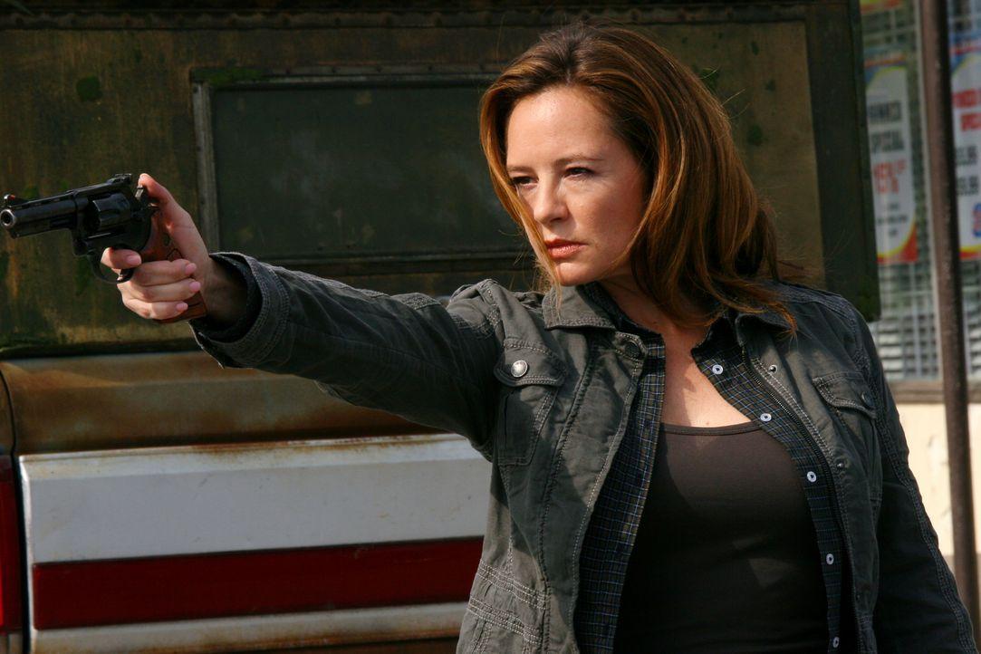 """Kann Ellen Harvelle (Samantha Ferris) """"dem Krieg"""" widerstehen? - Bildquelle: Warner Bros. Television"""