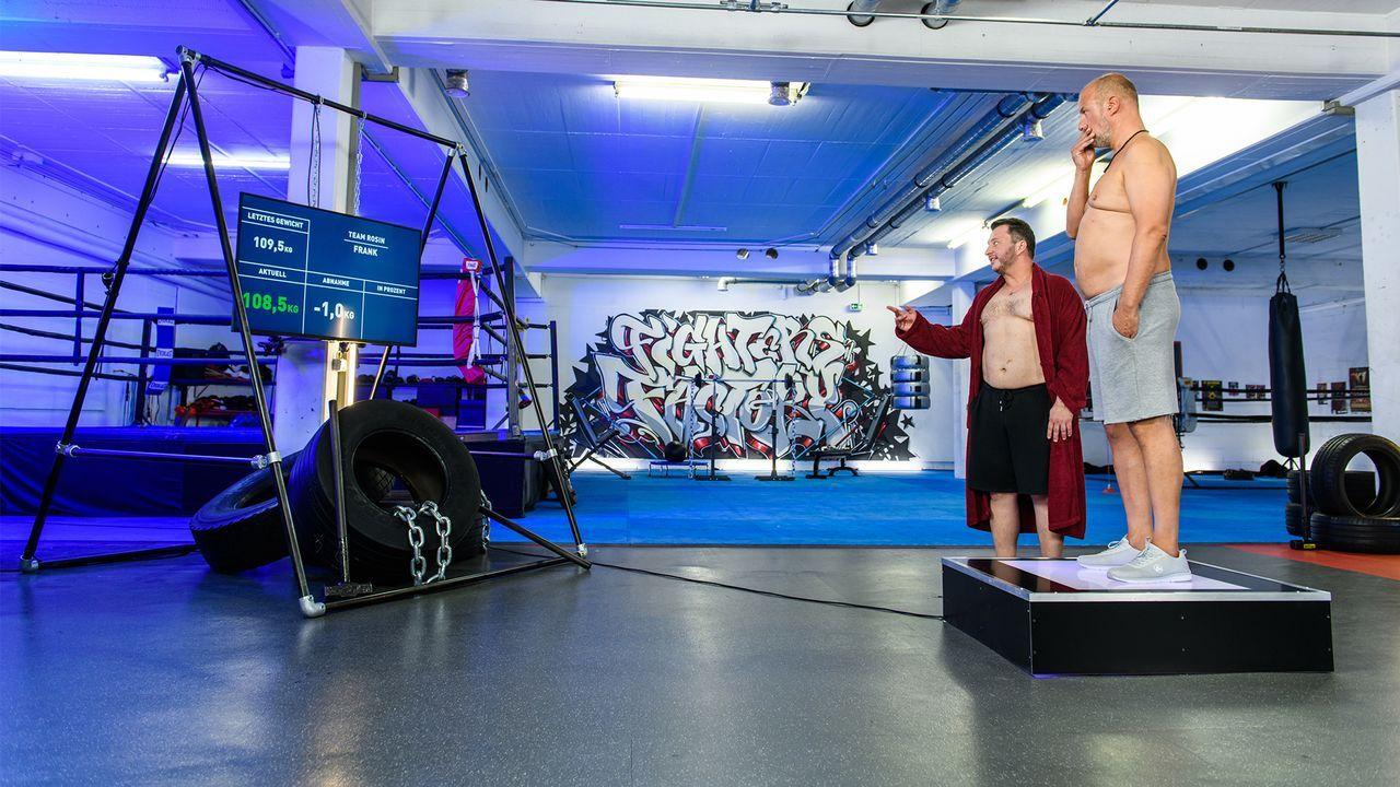 18-Frank auf der Waage - Bildquelle: Willi Weber, kabel eins