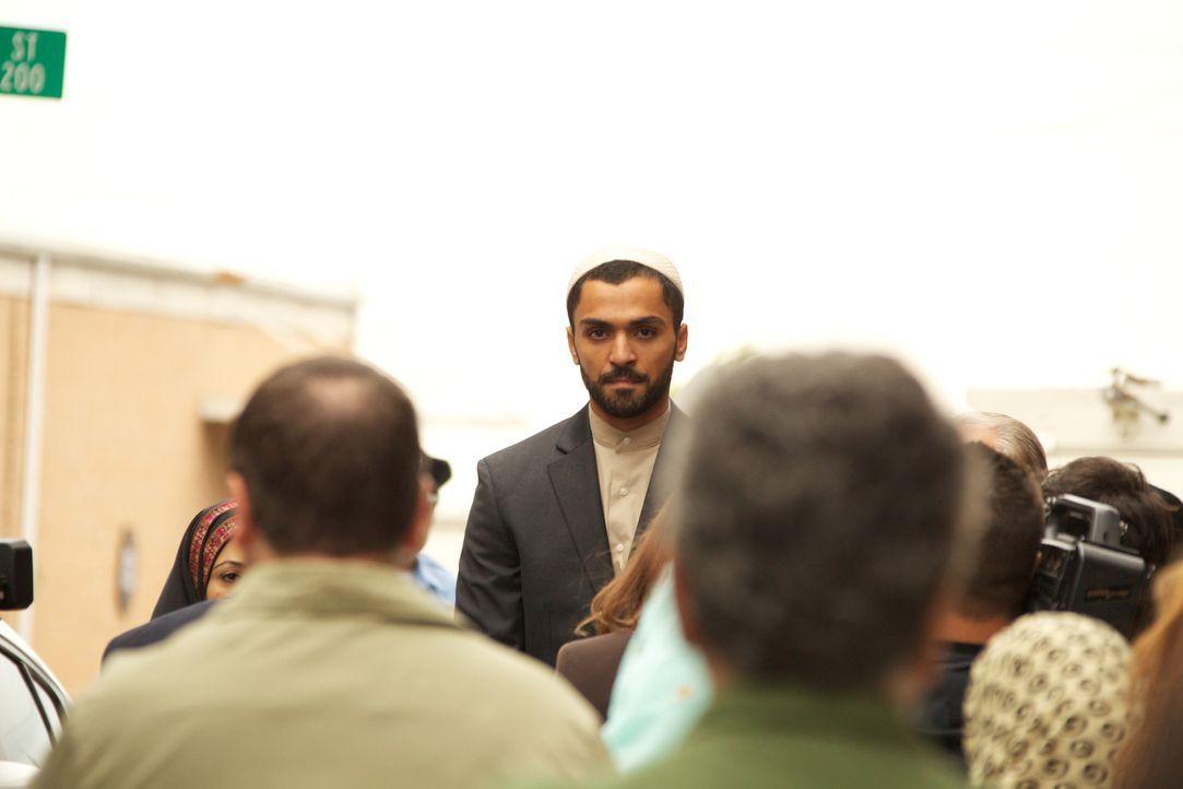 Wird Imam Rafan Gohar (Sammy Sheik, M.) die richtige Entscheidung treffen? - Bildquelle: 20th Century Fox International Television