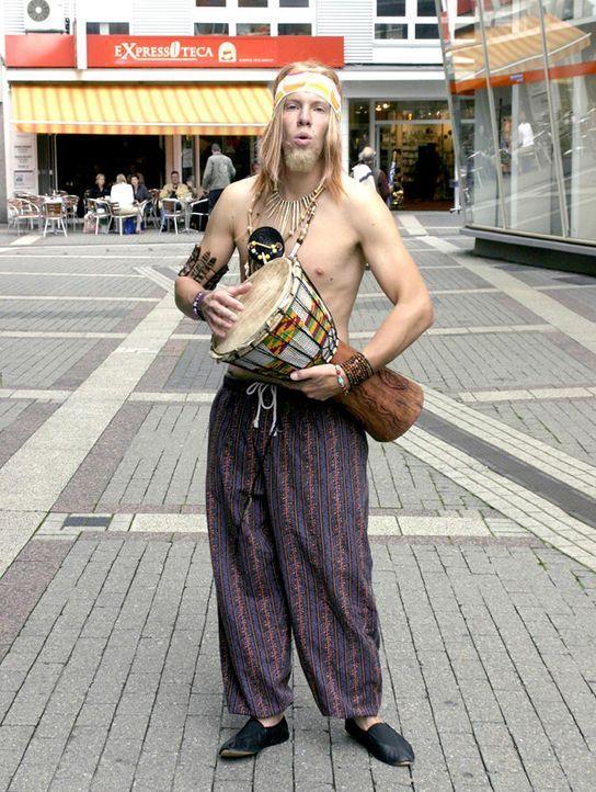 comedystreet-st-05-simon-gosejohann-23-guido-ohlenbostel-prosiebenjpg 753 x 1000 - Bildquelle: Guido Ohlenbostel ProSieben